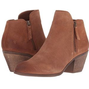 Frye | Cognac Brown Leather Zipper Ankle Booties